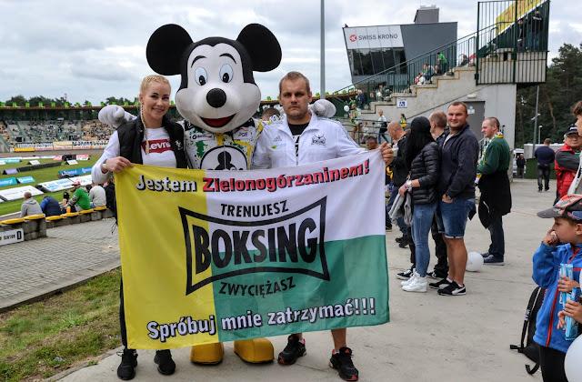 MFC 12, Tomasz Makowski, sporty walki, Szmajda, Jędrzejczyk, Czerwińska, Bodnar, kickboxing, K-1, Zielona Góra, Sulechowska, CRS