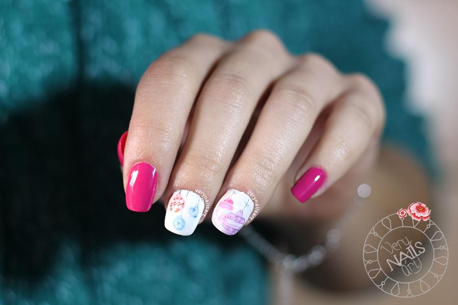 nail-art-bolas-arbol-navidad