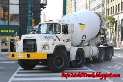 Gambar truk molen yang besar di luar negeri