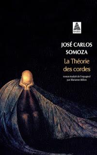 http://livresque-sentinelle.blogspot.be/2009/05/la-theorie-des-cordes-de-jose-carlos.html