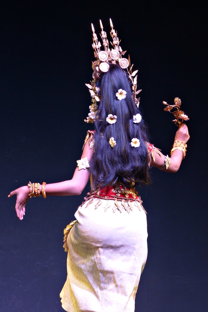 hair decorations of the cambodian apsara dancer