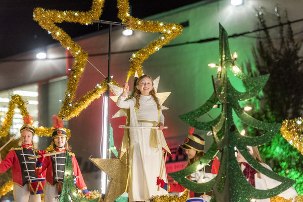 Its a Wonderful Movie - Your Guide to Family and Christmas Movies on TV: 'Sleigh Bells Ring' - a ...