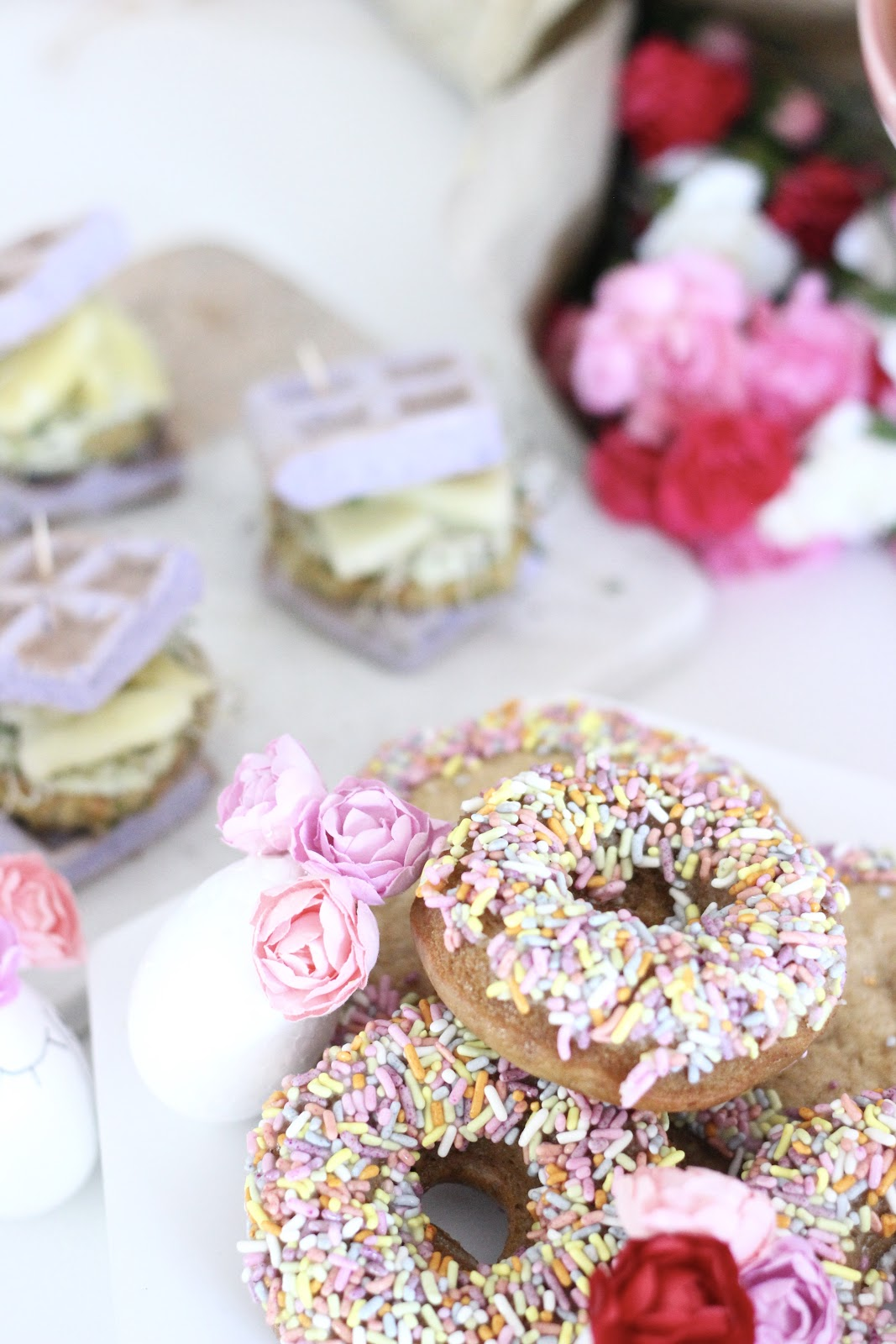 Kelly's Bake Shoppe Burlington ON, gluten free, vegan vanilla sprinkle donut / Pastels & Pastries