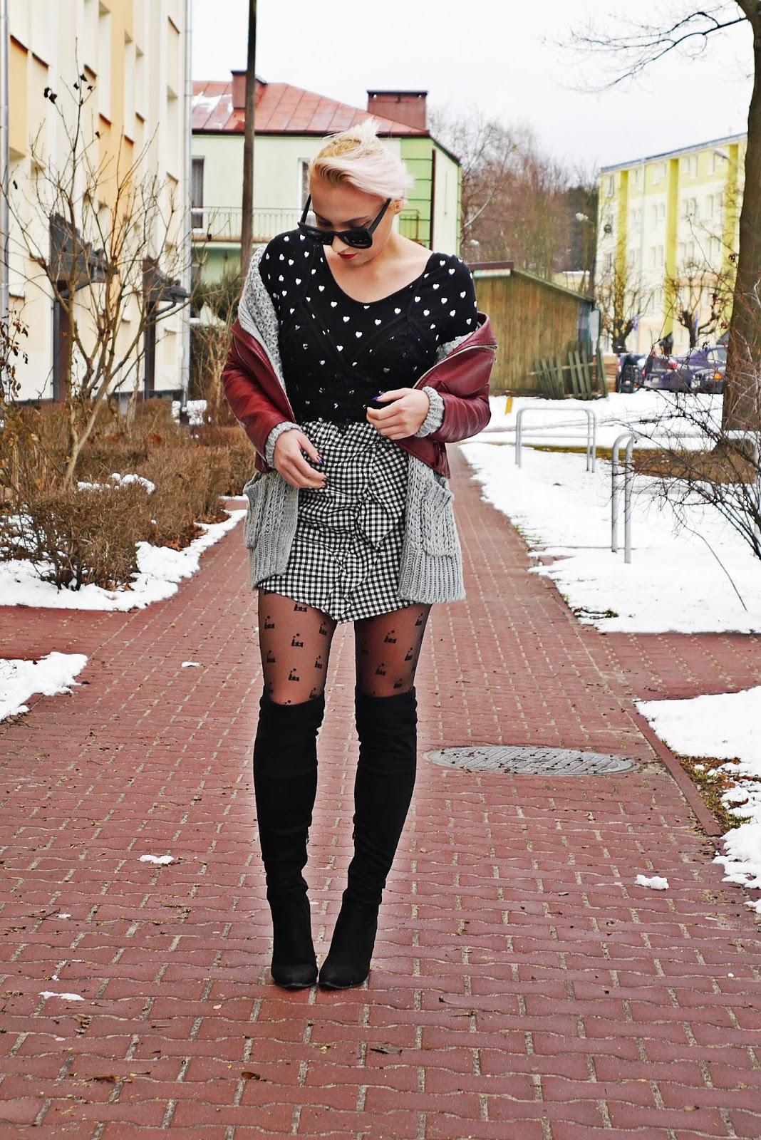 spodnica_w_karte_kozaki_za_kolano_bordowa_ramoneska_karyn_look_280217f