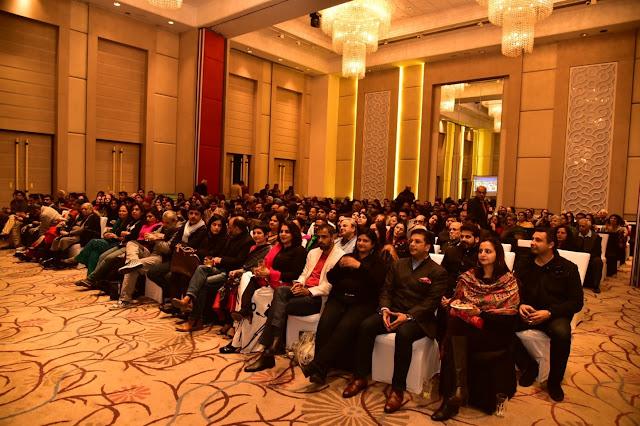 Audience enjoying Nizam Bandhu's performance