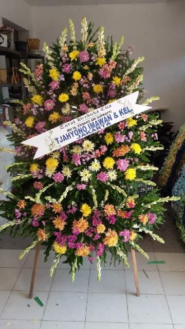 karangan bunga duka cita surabaya, toko bunga duka cita surabaya, jual karangan bunga duka cita di surabaya