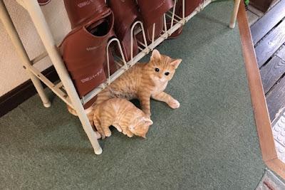 切明リバーサイドハウスの猫(人形)