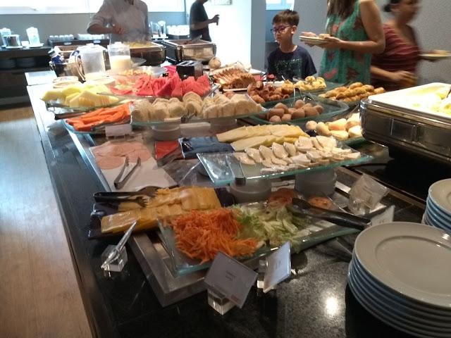 Café da manhã no Novotel