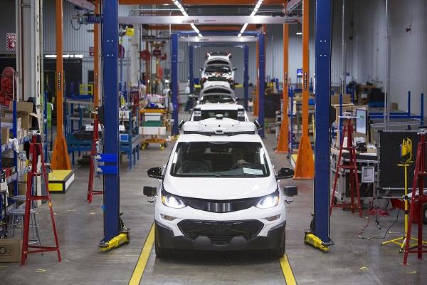 General Motors cierra ocho plantas de producción