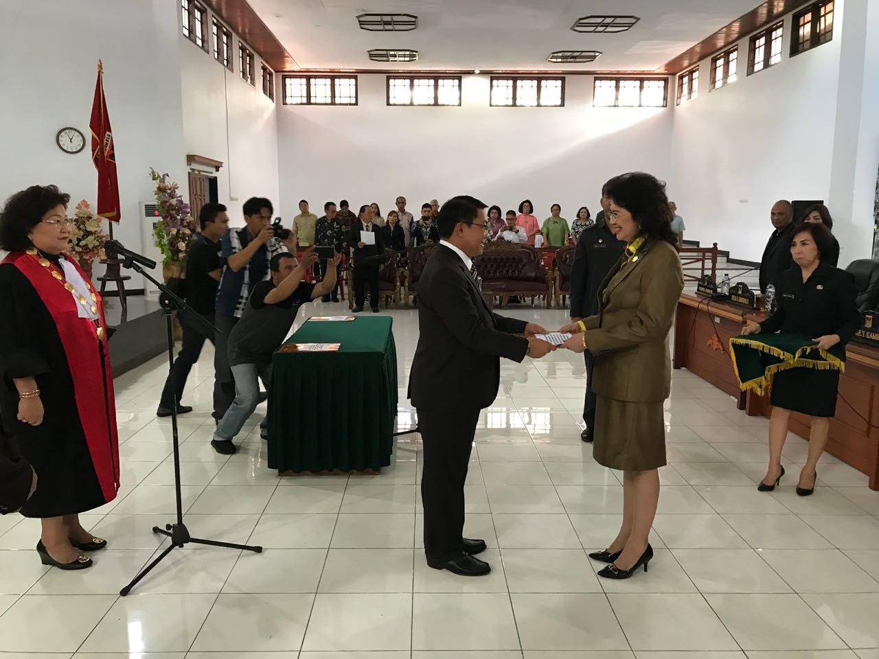 Hadiri Pelantikan Wakil Ketua Dekab Minahasa, Bupati Ingatkan Sinergitas