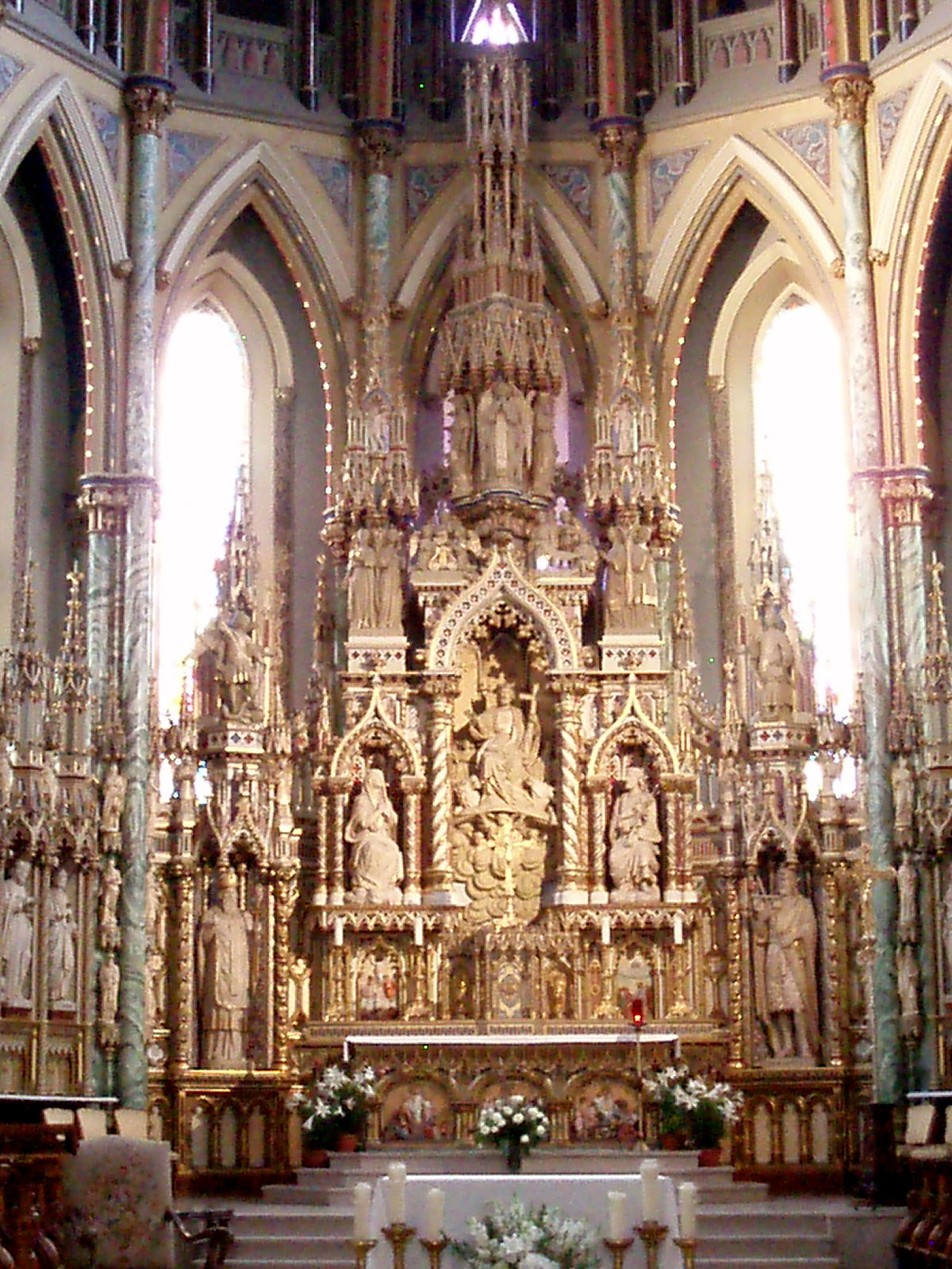 Catholic Art and Architecture: The altars of Notre Dame, Ottawa