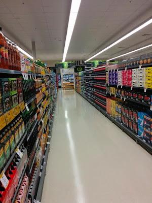super mercado bien organizado