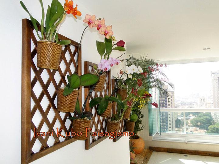 Orquidário vertical na varanda