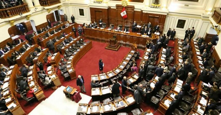DOCENTES INTERINOS: Mayoría de Congresistas Fujimoristas apoyan el regreso de más de 14 mil maestros cesados en el 2014
