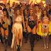 """Little Mix organiza sua própria marcha das mulheres no clipe de """"Power"""""""