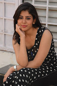 actress tanya sizzling photos-thumbnail-1