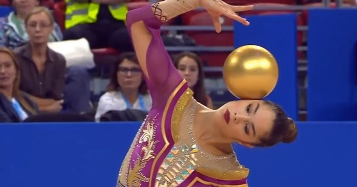 Heart-Stealing Performance By Italian Gymnast Alexandra On The Rhythmic Gymnastics