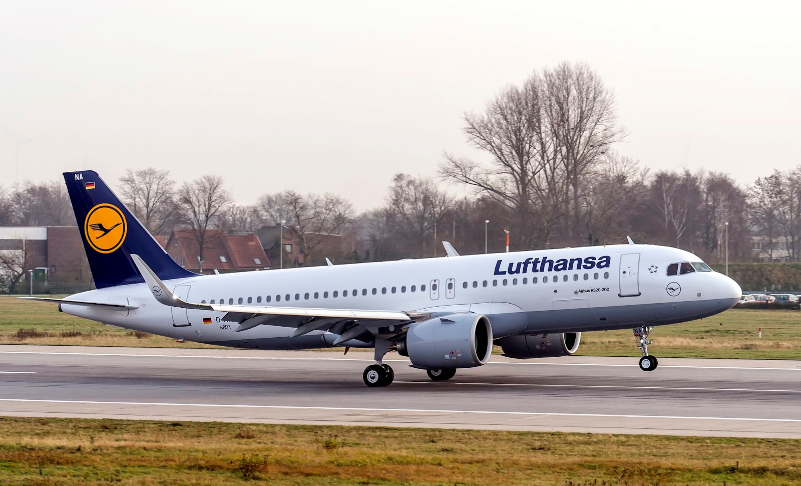 Airbus A320neo Lufthansa Rotating Takeoff