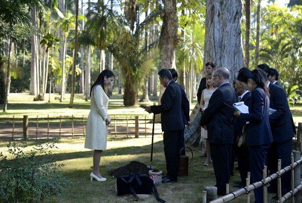 Princess Mako visited Japanese Botanical Garden, and Nikkei Association, and Redeemer Christ Monument in Rio de Janeiro