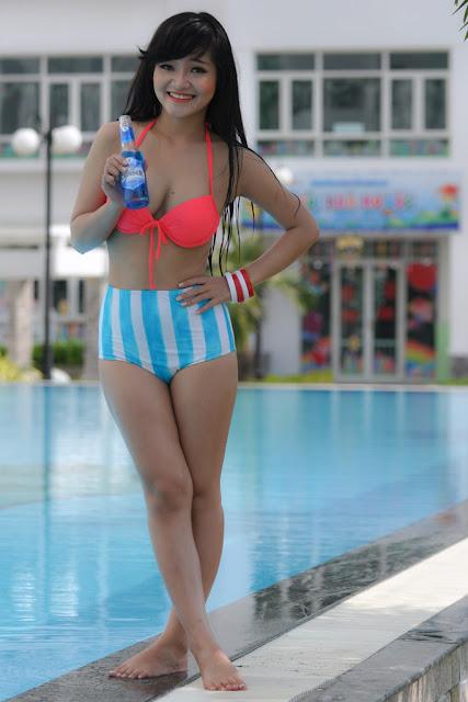 Teen girl bikini quyến rũ không thể chối từ