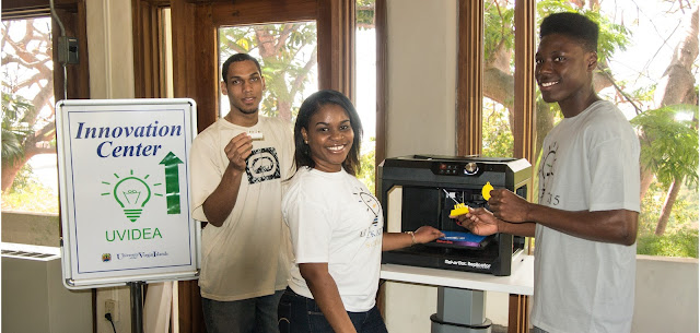 UVIDEA club members present UVI's new 3D Printer