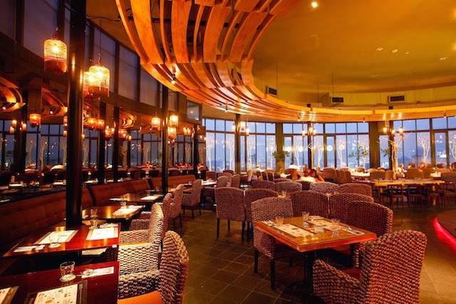 Mum Dines For FREE At Signature, The Roof This Mother's Day