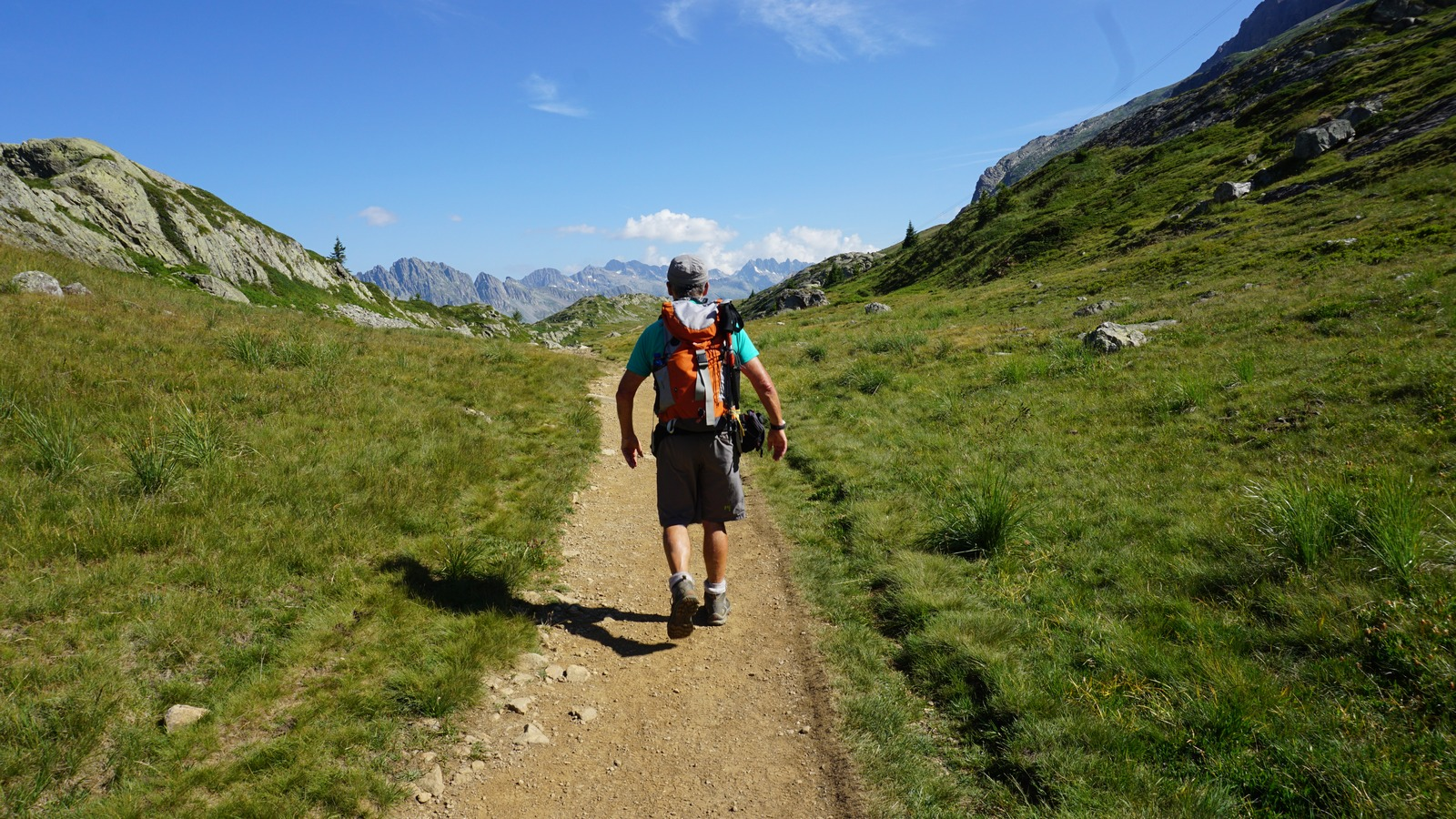 Well maintained GR549 trail north of Alpe d'Huez
