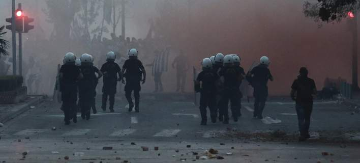 Ασλανίδης: «Φυγάδευσαν» τα ΜΑΤ, παρότι η Εισαγγελέας ζήτησε συλλήψεις για το «@@@@ Βούλγαροι»