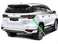 Harga Dan Fisik Stoplamp Kanan Toyota Fortuner VRZ (2018)