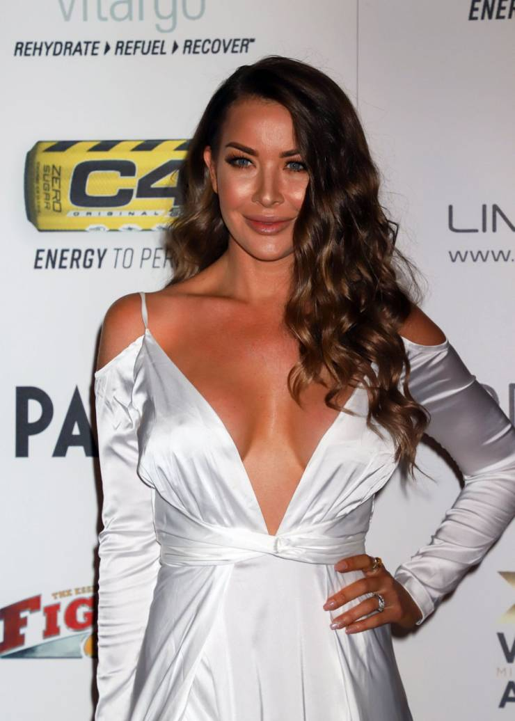 American Model Summer Daniels Hot In White Long Dress