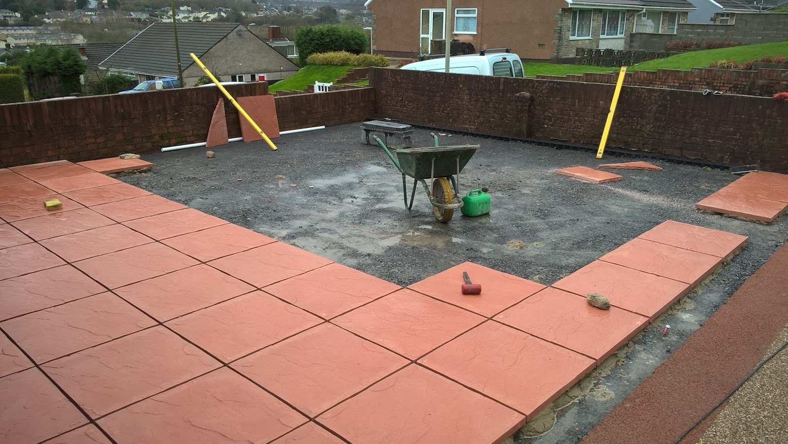 Red Concrete Paving Slabs 600mm X With Grey Rompox Jointing