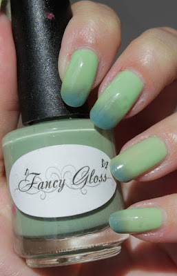 http://lacquediction.blogspot.de/2015/11/fancy-gloss-cool-waters.html