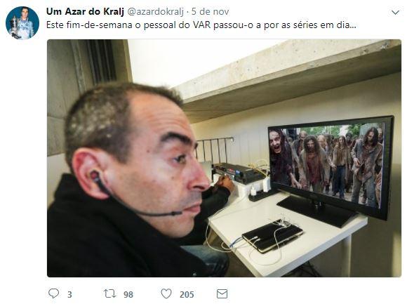 VAR Vídeo-árbitro