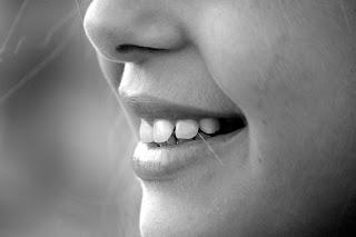 Kesan Sampingan Pemutih Gigi