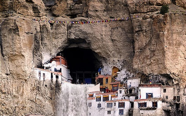 Phugtal caves, Buddhist monasteries in India