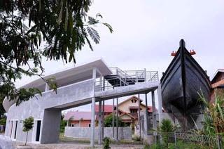 Wisata Kapal Apung Banda Aceh