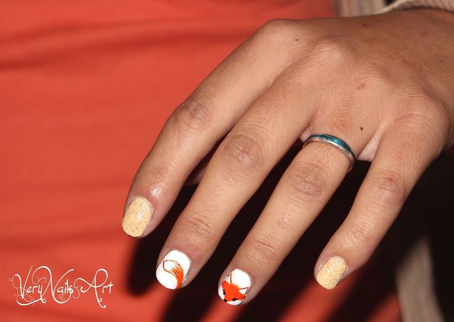 Decoración de uñas con zorro