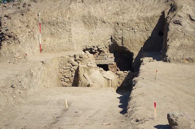 Small looted Thracian tholos tomb excavated in Bulgaria