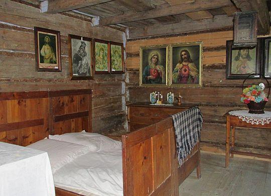 Wnętrze chałupy wójta z Sidziny z XVIII wieku.