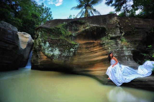 Air Terjun Luweng Sampang Gunungkidul