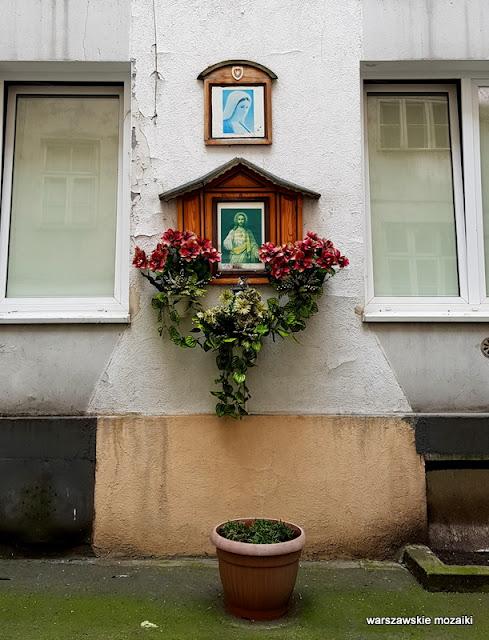Warszawa Warsaw Praga północ praskie klimaty #praskie kamienice architektura ulice Pragi kapliczka
