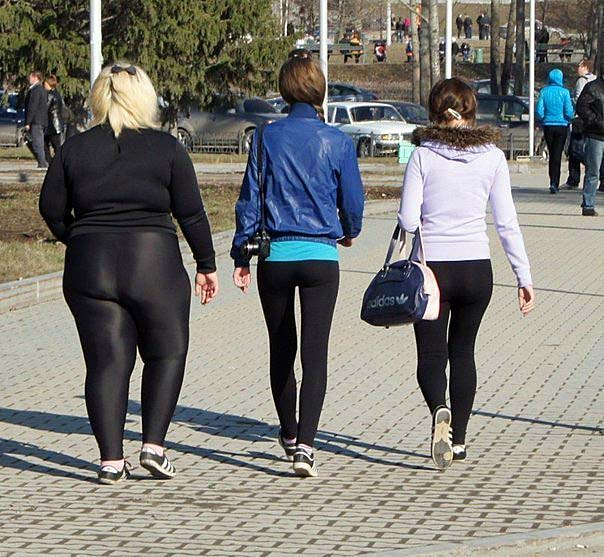 fette frau in leggings
