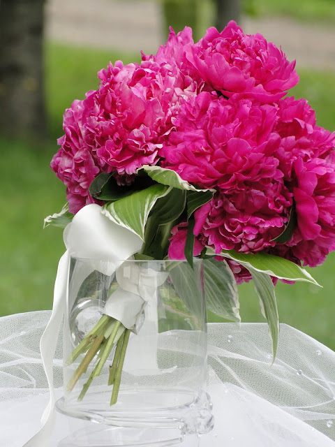 lakesuperiorweddings.ca peony bouquet