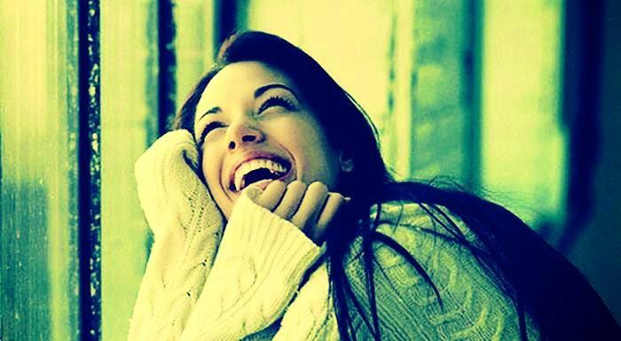 wanita bahagia
