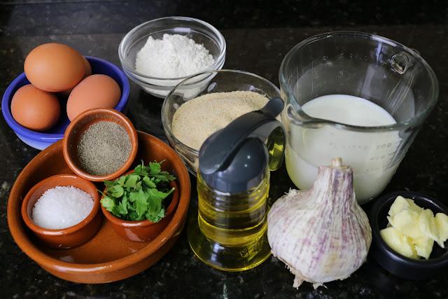 Ingredientes para huevos empanados con bechamel