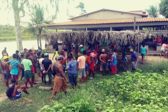 Ataque a aldeia deixa 13 índios feridos no Maranhão