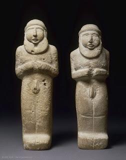 la scintilla divina di enki louvre statuettes d039hommes barbus nus La scintilla divina di Enki
