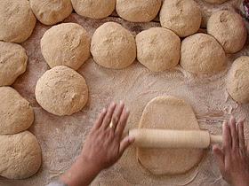 Como amasar la harina para hacer pan sin gluten