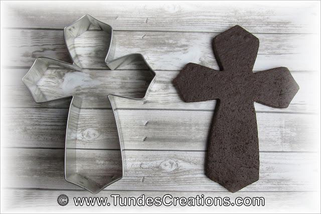 Cross Shape by Tunde Dugantsi