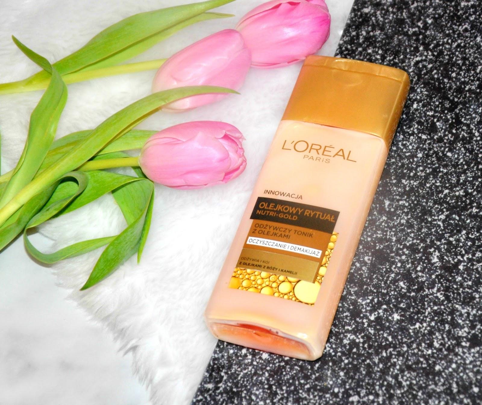 """Gdy słyszę słowo L'Oréal od razu moja wyobraźnia przedstawia mi kolorowy obraz na którym widnieją takie perełki jak rozświetlający podkład True Match, cudowna szminka z serii Color Riche czy rewelacyjny tusz do rzęs Volume Milion Lashes So Couture. Nie ma tu ani jednego pielęgnacyjnego kosmetyku... Nigdy nie przepadałam za kosmetykami do pielęgnacji twarzy firmy L'Oréal, kilkukrotnie próbowałam zaprosić markę do codziennej pielęgnacji, ale moja skórze nie odpowiadały jej produkty, zawsze się przed nimi broniła i dość dobitnie informowała mnie, że za nimi nie przepada. Poddałam się, moje uwielbienie wobec marki ograniczyłam tylko do kolorówki, stwierdziłam, że skoro tyle razy zawiodłam się na kosmetykach pielęgnacyjnych tej marki to znaczy, że nie są one dla mnie. Byłam twarda, nie zerkałam w ich stronę przez wiele miesięcy. Ostatnio zrobiłam wyjątek kupiłam tonik ! Skusiły mnie dwa słowa """"odżywczy tonik""""."""